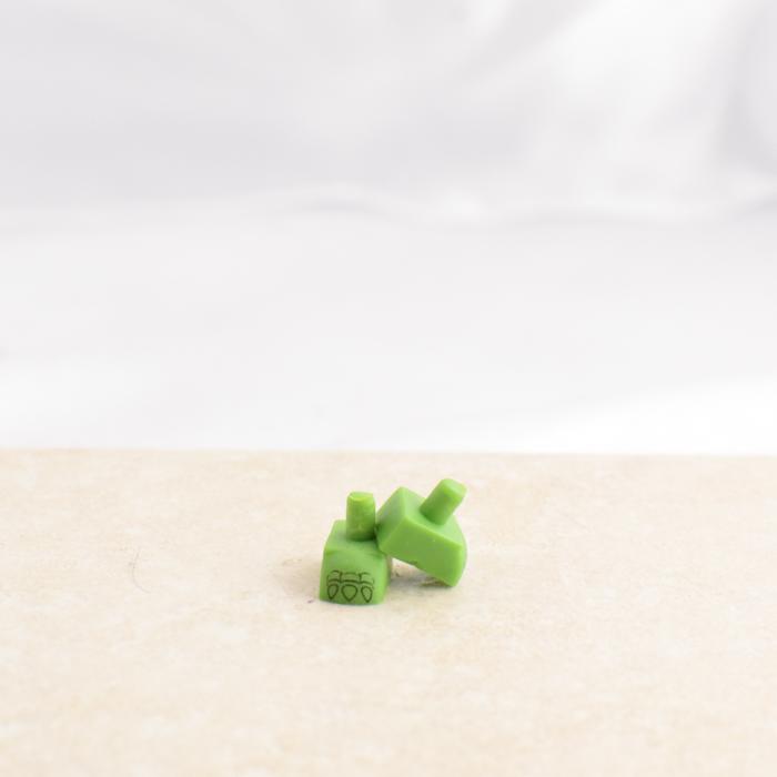 Green Claw Feet